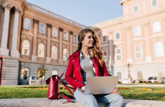 How Online Learning is Changing Student Habits
