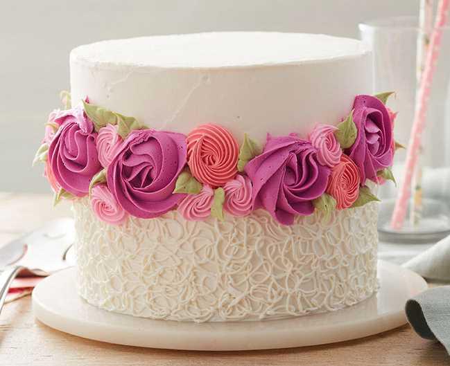 24 Cakes to Celebrate the Fall Season!
