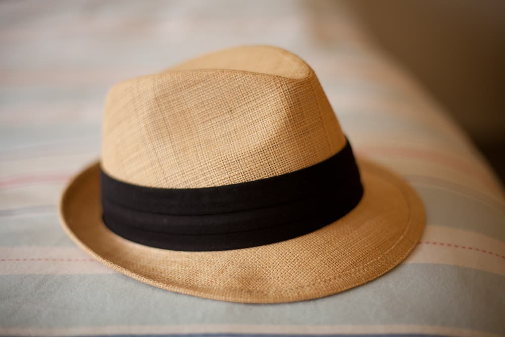 How can women style a straw fedora hat? Important facts to consider