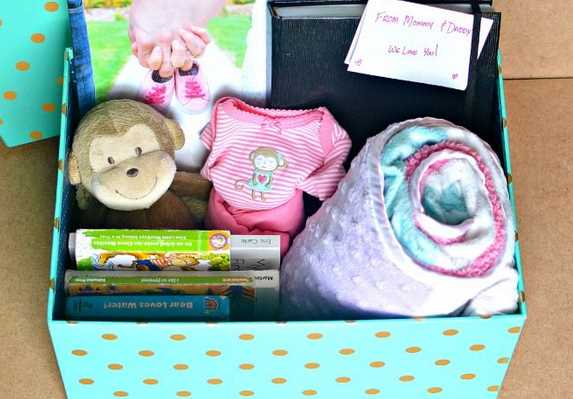 What are the 10 Things to Add to Your Baby Keepsake Box