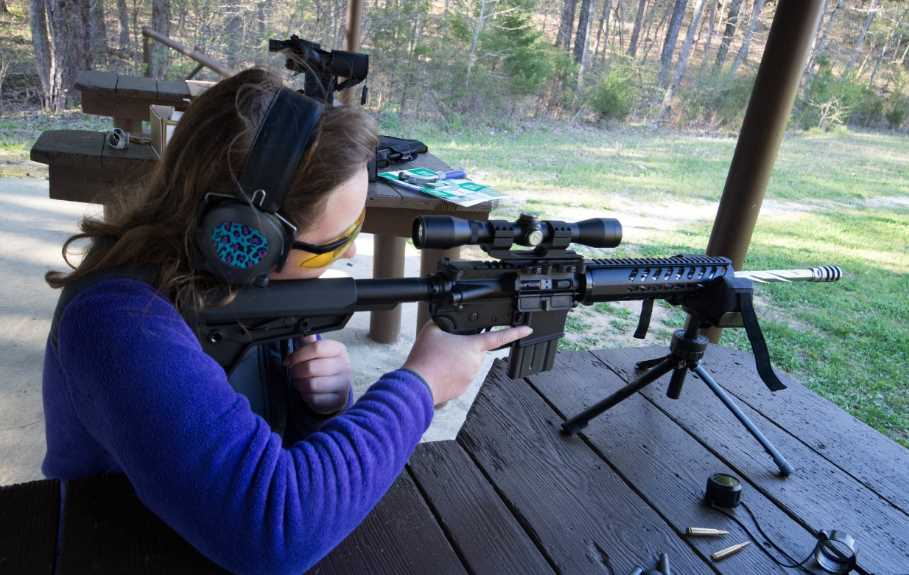 What Is an AR 15 Floating Handguard? A Guide